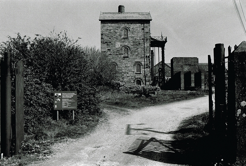 East Pool and Agar Mine - Cornish Mine Images - History in Black and